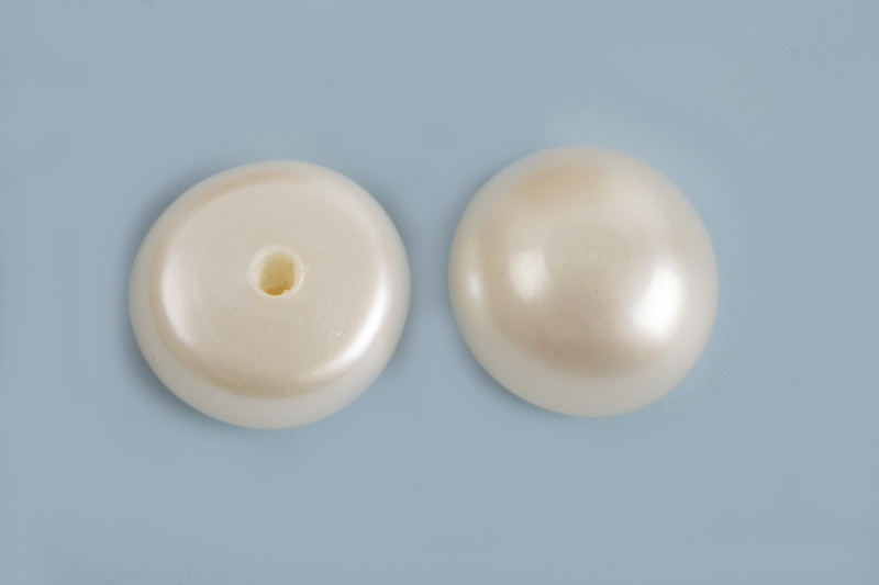 Ferskvandsperle, anboret, hvid, ca. 7,5x4 mm, 2 stk.