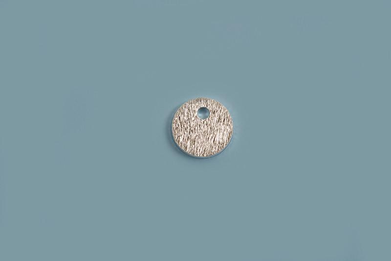 Mønt m/1 hul, børstet, 6 mm, 925s, 2 stk.