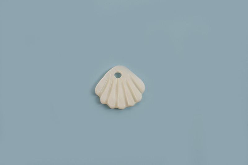 Shell pearls, muslingeskal, ca.10x1,5 mm, hvid, 2 stk.