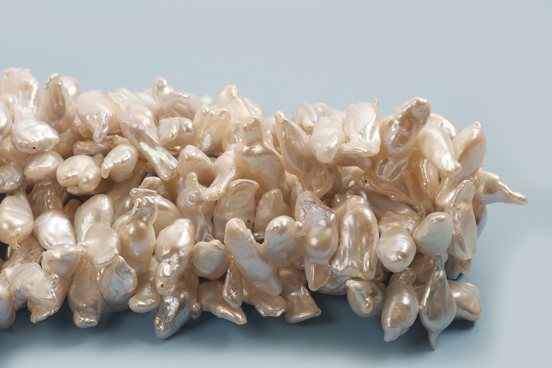 Ferskvandsperler, keshi, ca. 17-22x10x3-5 mm, antikhvid, 1 streng