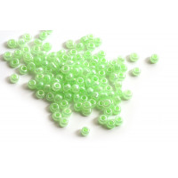 Seed beads, ca. 3 mm, mintgrøn med shine, ca. 15 gram