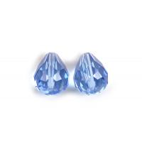 Glasperle, dråbe, facet, 10x12 mm, lyseblå, 2 stk.